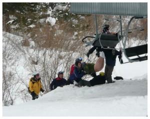 Skieur mal barré